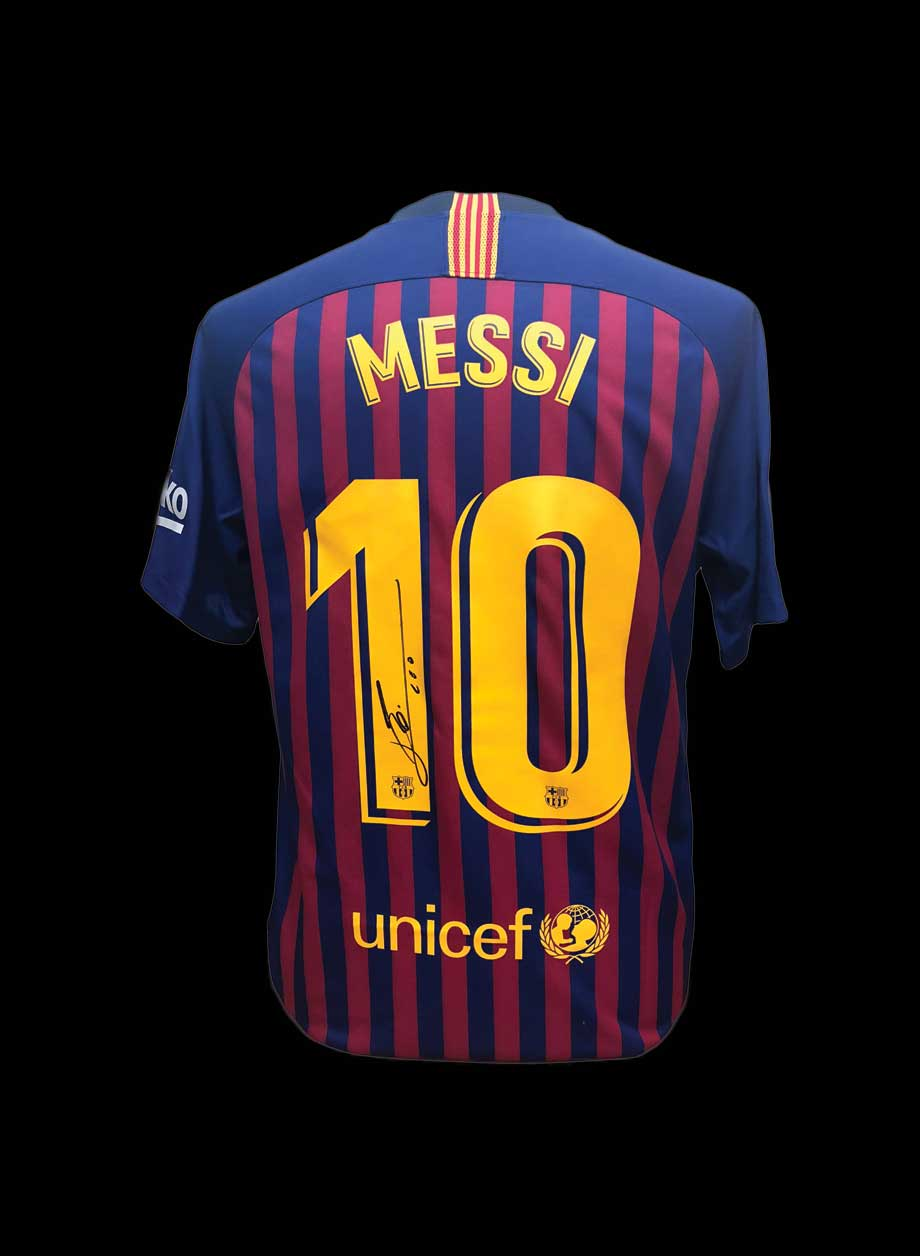 low priced 233ee adcfc Lionel Messi signed Barcelona 2018/19 shirt