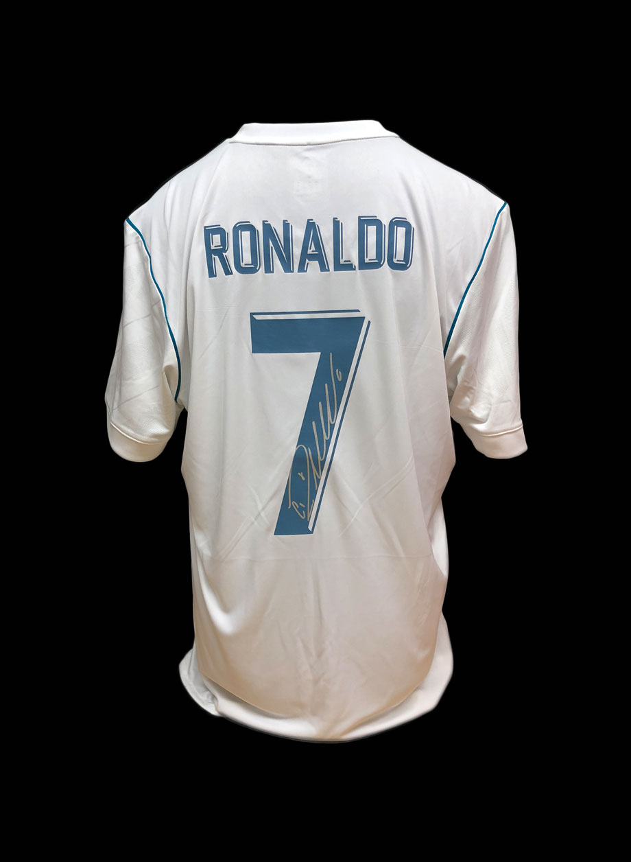 online retailer d8ddd 1646f Cristiano Ronaldo signed Real Madrid shirt